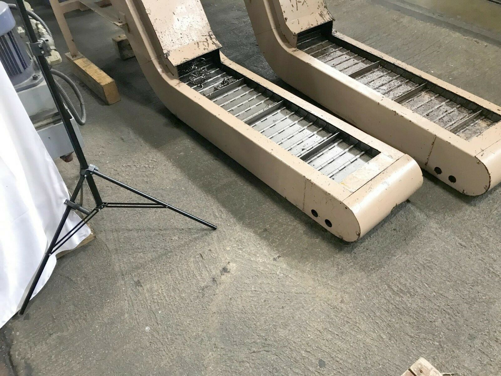 """MAYFRAN HEAVY DUTY CHIP CONVEYOR, 11"""" x 45"""" Chip Opening, 8-1/2"""" High x 16-1/2"""" Wide x 53"""" Long in the machine, 43"""" Discharge Height, Drain Thru Coolant Style, 113"""" OA Length."""