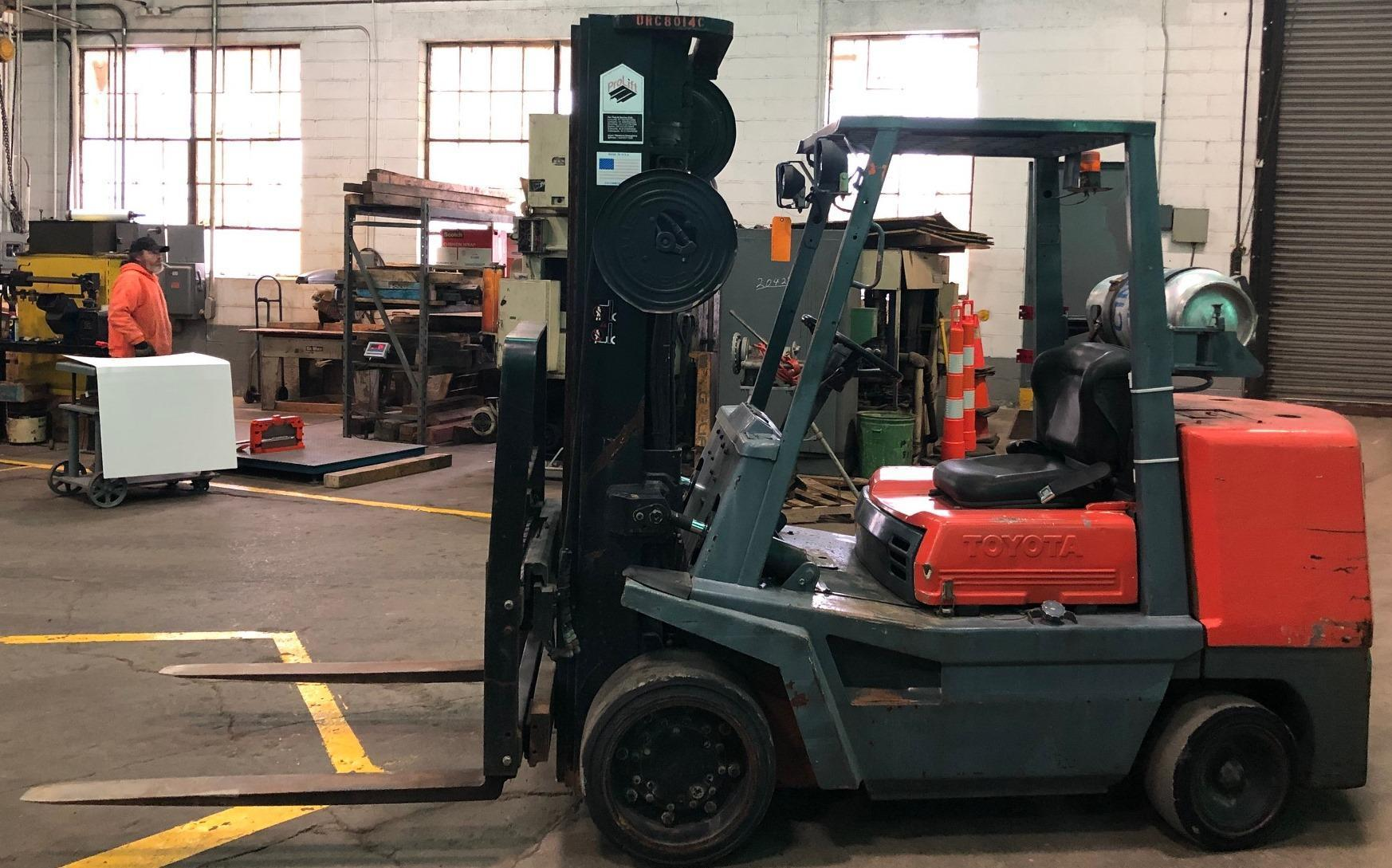 9000 Lb. Toyota Forklift No. FGC45, Hard Tires, LP, Triple Stage, Side Shift