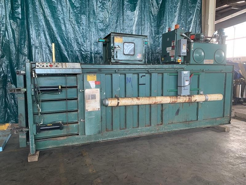 INTERNATIONAL MODEL6-54 HYDRAULIC BALER