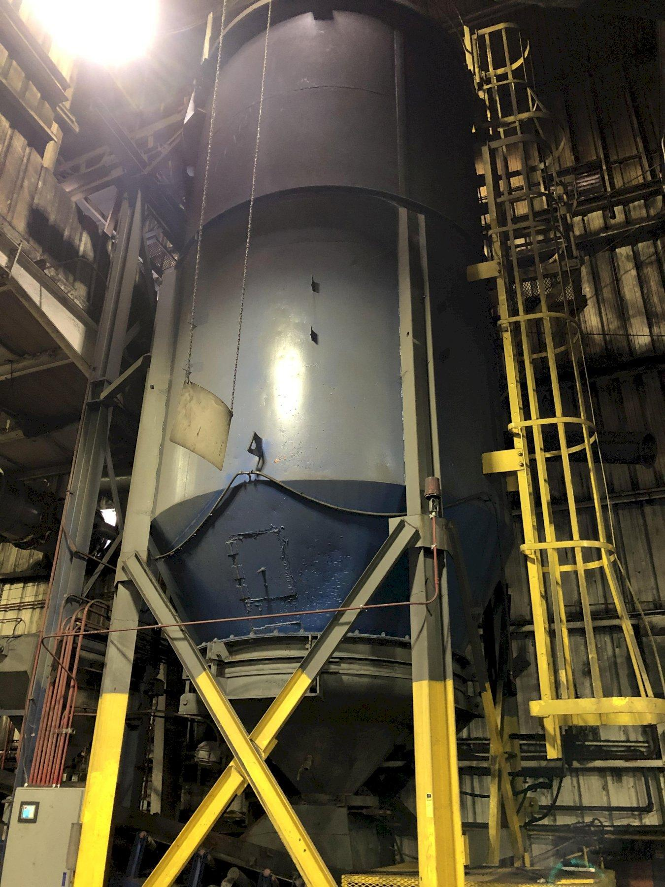 APPROX. 12' DIAMETER X 20' TALL SAND SILO WITH LIVE BOTTOM FEEDER AND SUPPORTS
