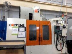 2000 VICTOR V-Center 102 - Vertical Machining Center