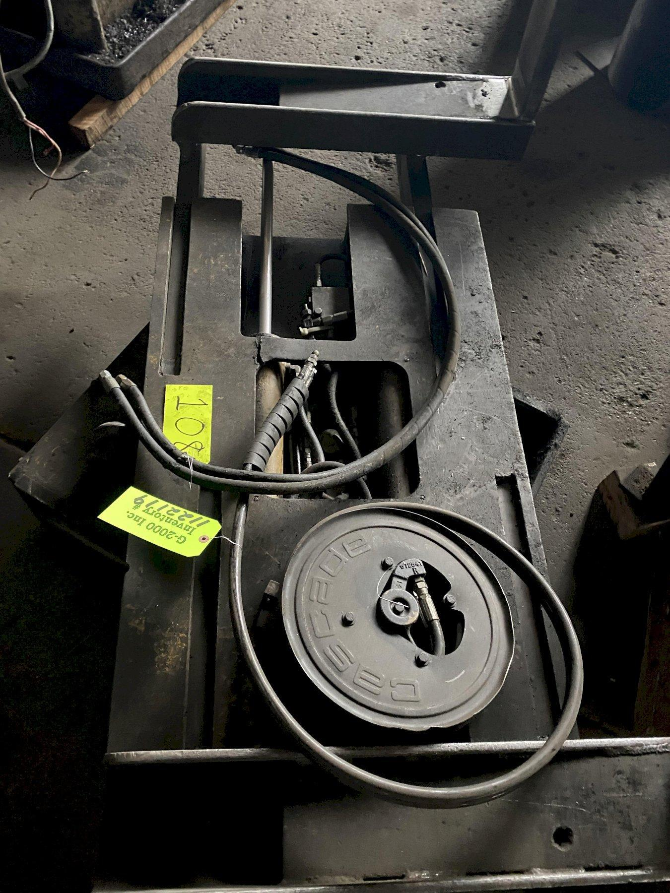 Forklift Squeeze Fork Rotator Attachment