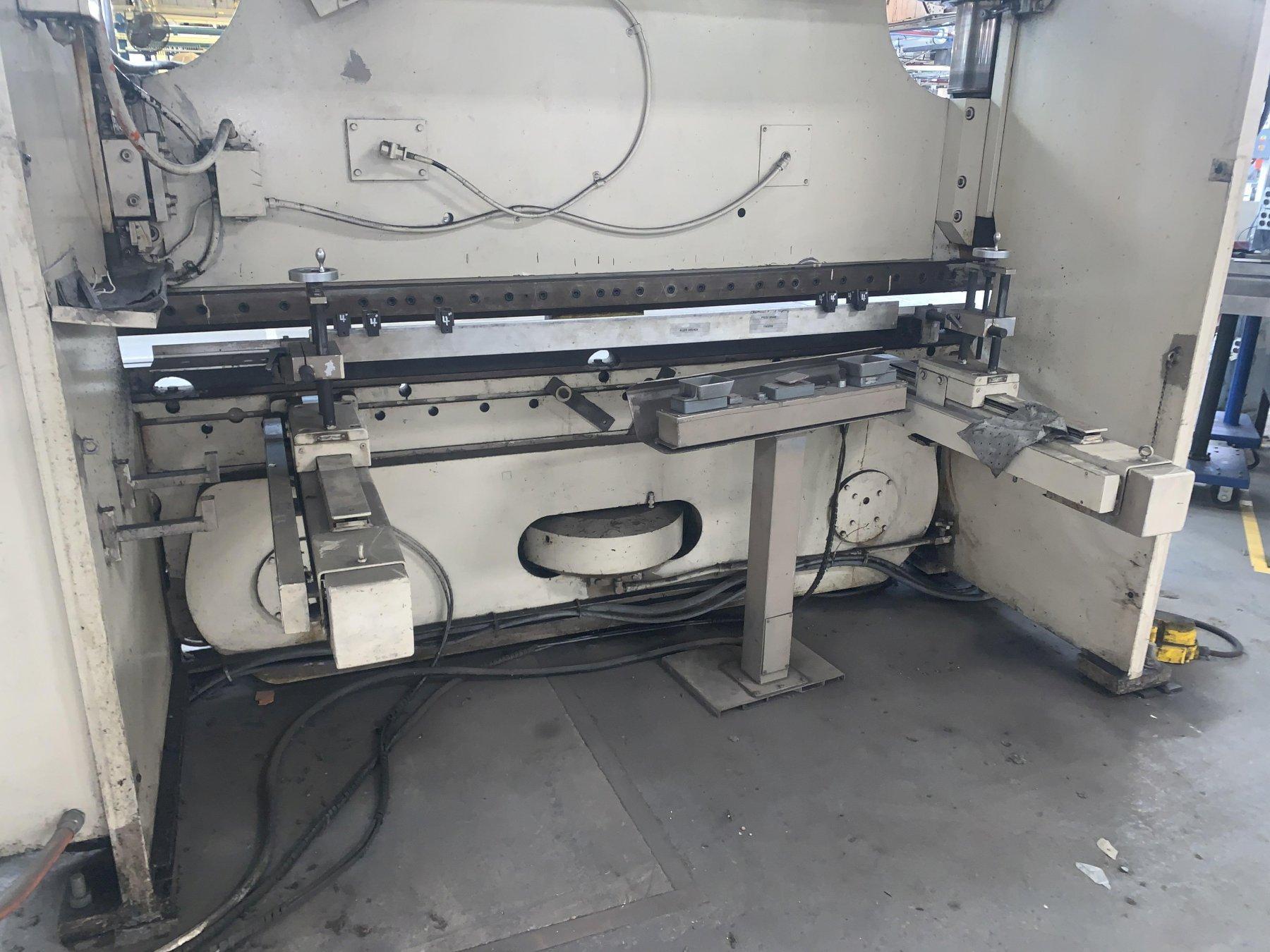 175 TON X 10' CINCINNATI MODEL #175-8AS HYDRAULIC CNC PRESS BRAKE WITH UPGRADED TOUCHSCREEN CONTROLS. STOCK # 1801320
