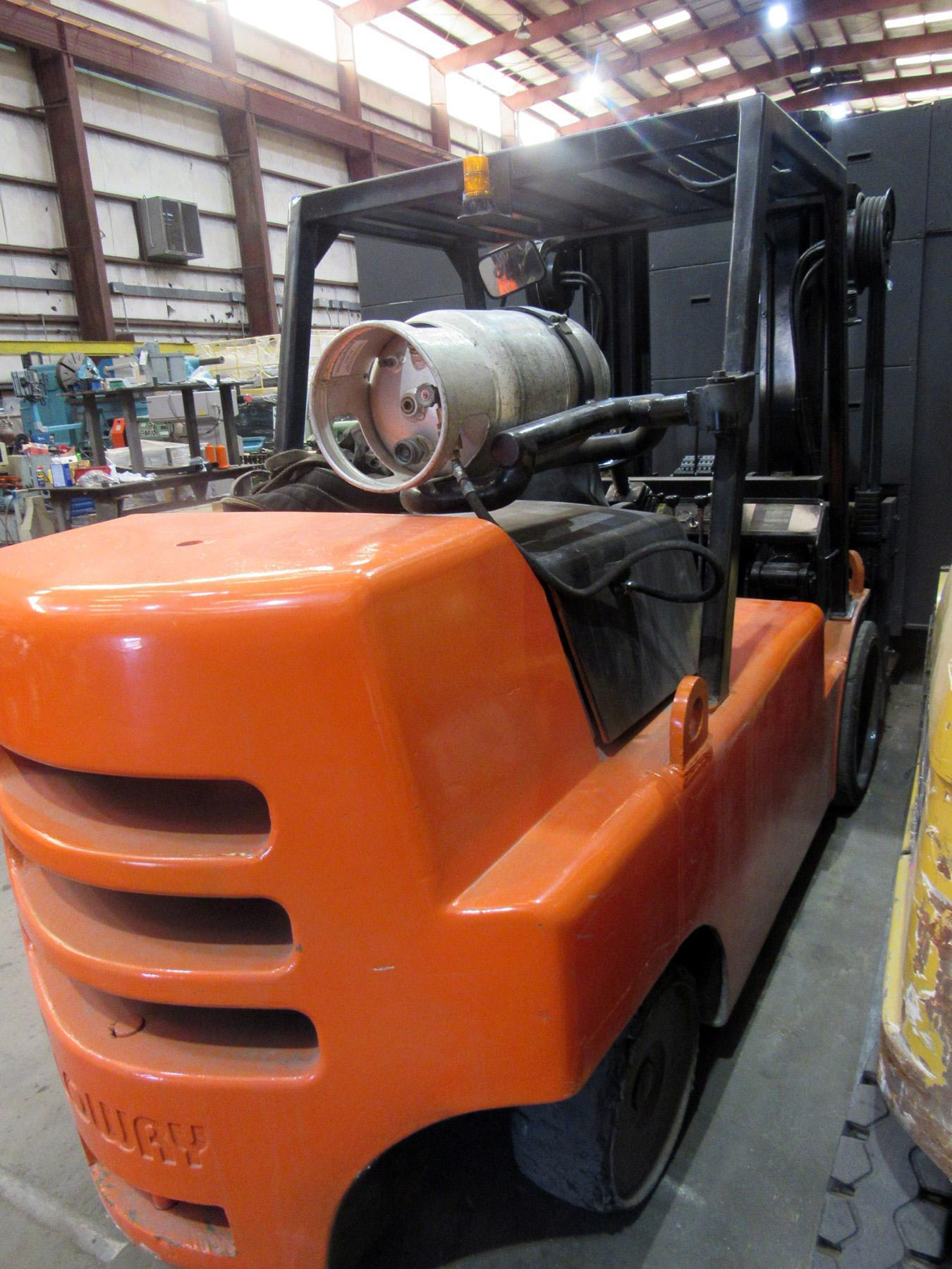 USED, 20,000 LB. LOWRY MODEL L200A FORKLIFT TRUCK