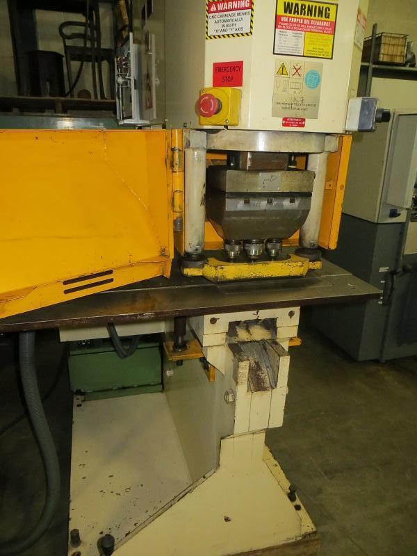 120 Ton Geka Hydraulic Single End Punch w/ CNC X-Y Positioning Table Model PUMA 110 H30 Semi PAXY