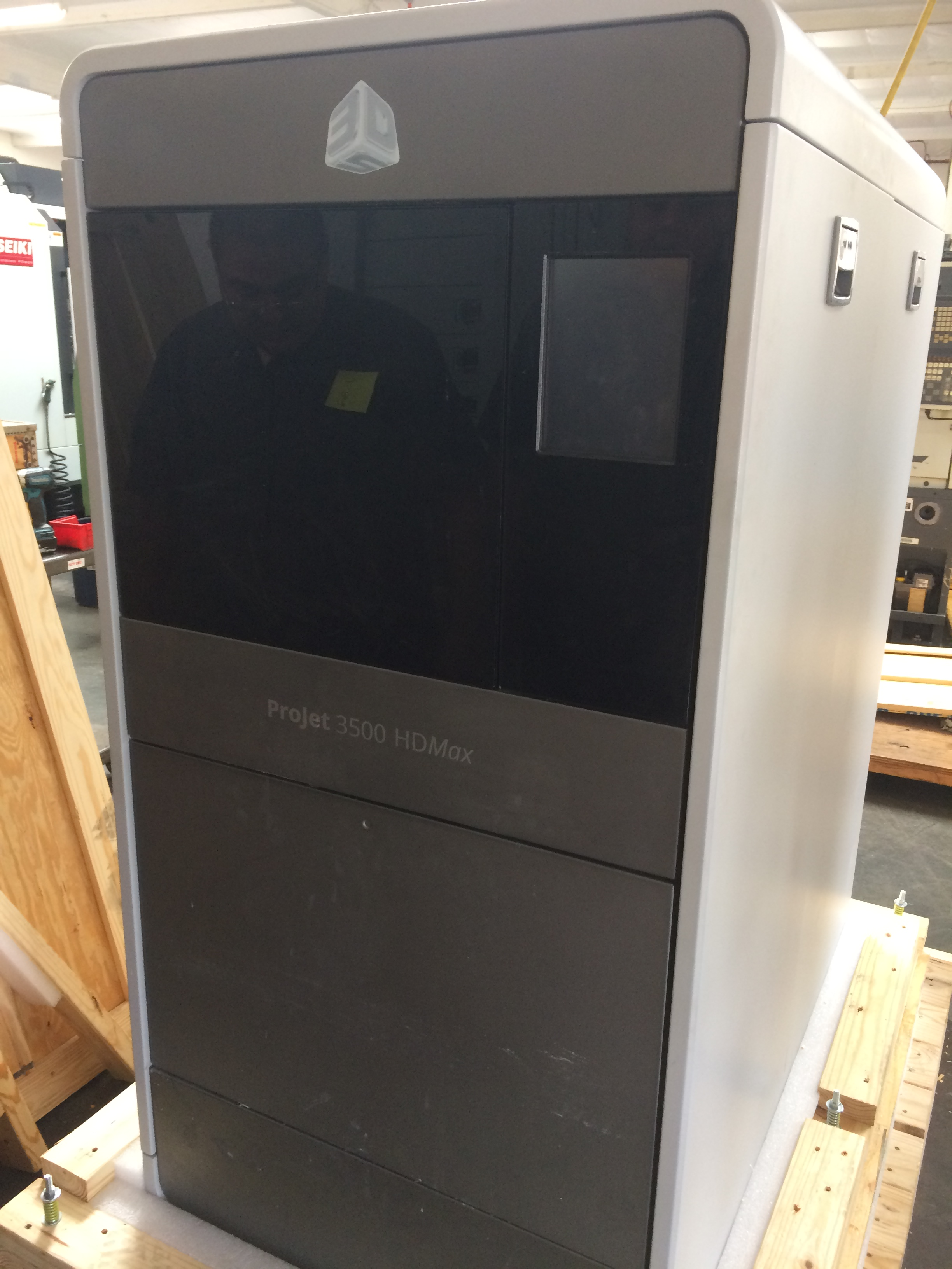 Projet 3500 HDMAX 3D Printer with Projet 3500 Finisher 2015