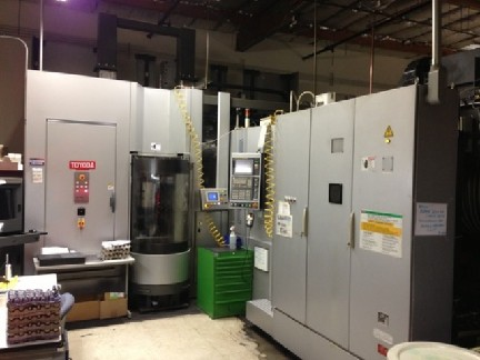 Toyoda FH450S 12 Pallet Cell HMC 2007 GE Fanuc 31i CNC Control  High Pressure Thru Spindle Coolant Probe Mist Collector