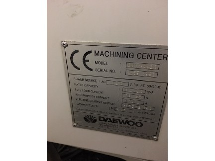"Daewoo DMV4020 2001 Fanuc 21iMB Control  40""x20""x24"" Travels Chip Conveyor and Coolant Tank"