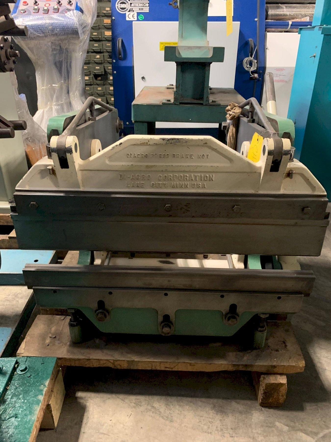 "8 Ton x 24"" Diacro Hand Operated Press Brake Model 16-24"