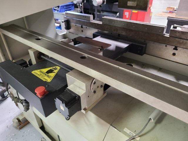 1999 Accurpress 7254, 4' x 25 Ton CNC Hydraulic Press Brake