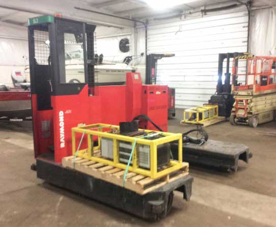 Raymond 940-SL100TN Stand Up Electric Side Load Forklift