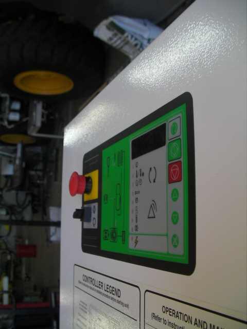 USED US AIR COMPRESSOR DVK-7 ROTARY SCREW COMPRESSOR LOGIK 151 CONTROL. S/N: 7507
