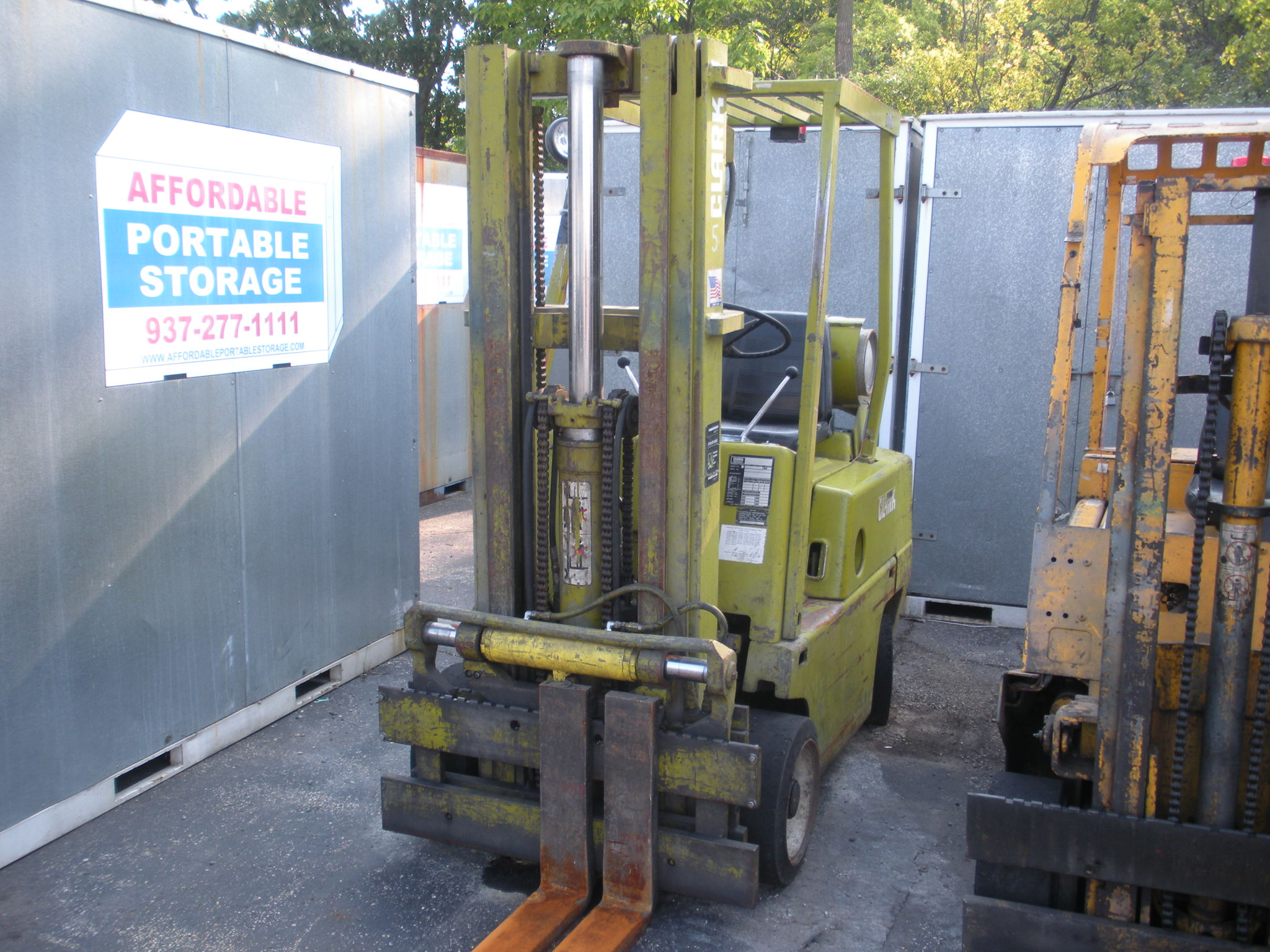 Clark Model 0500 40 LPG 4,000# Lift Truck - Details Pending