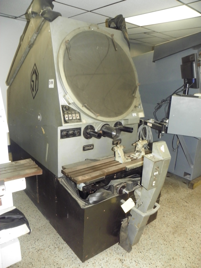 "30"" Comparator Scherr-Tumico Model P2500, S/N 581, Equipped with QC2000 DRO."