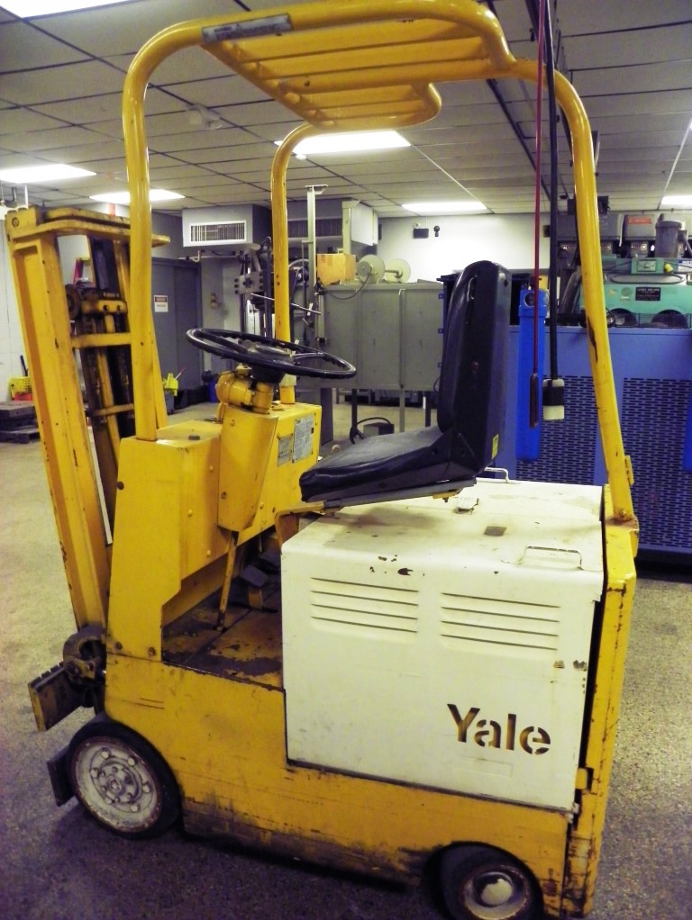 YALE Type E 2000 Lbs Electric Powered Fork Lift Truck, Model K58C020G36S071, S/N N369677. (with Charger)