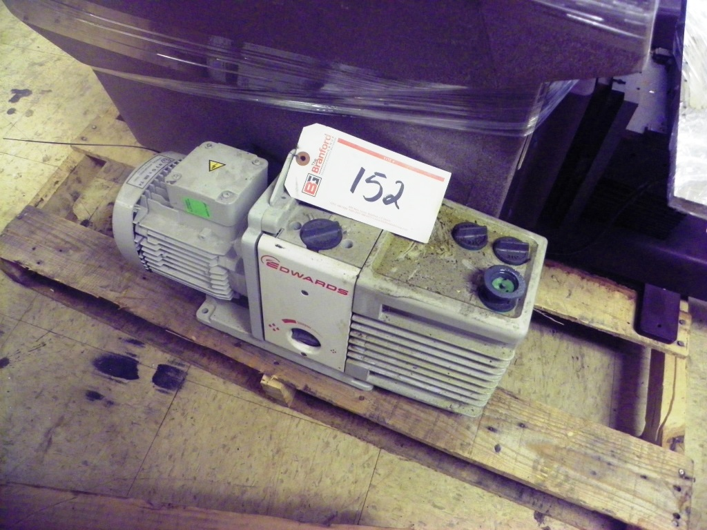 EDWARDS Model RV12 Rotary Vane Vacuum Pump