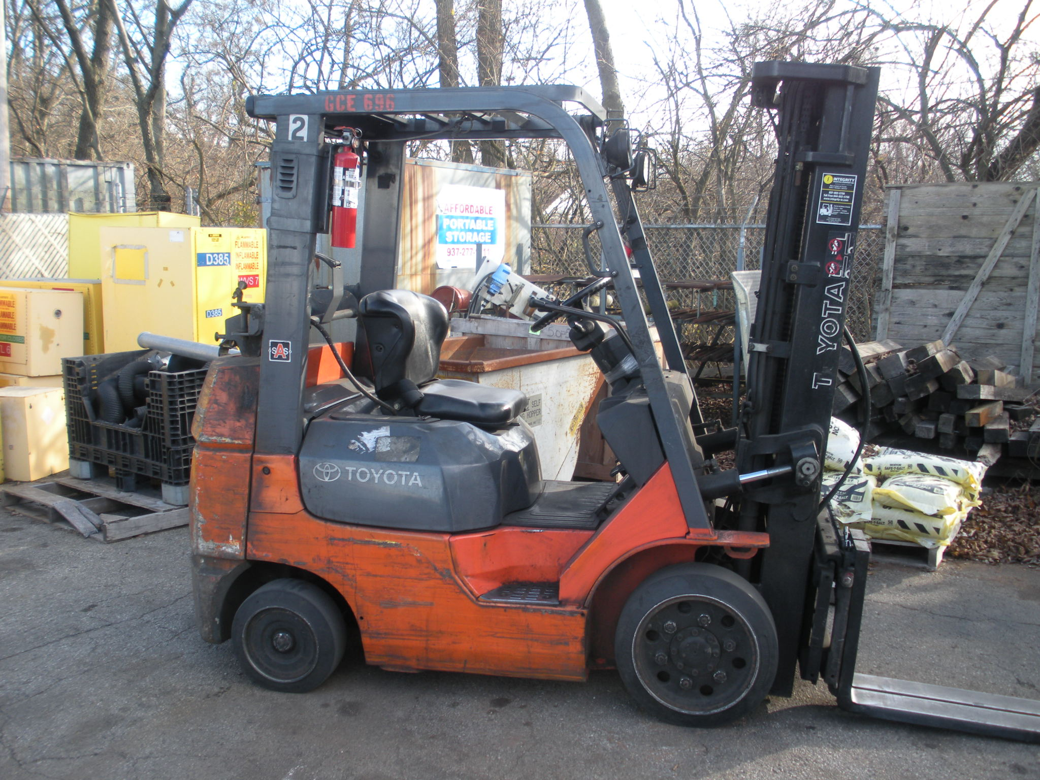 Toyota Fork Lift 4,500 # Capacity 3-Stage Mast, Hard Tire, Propane