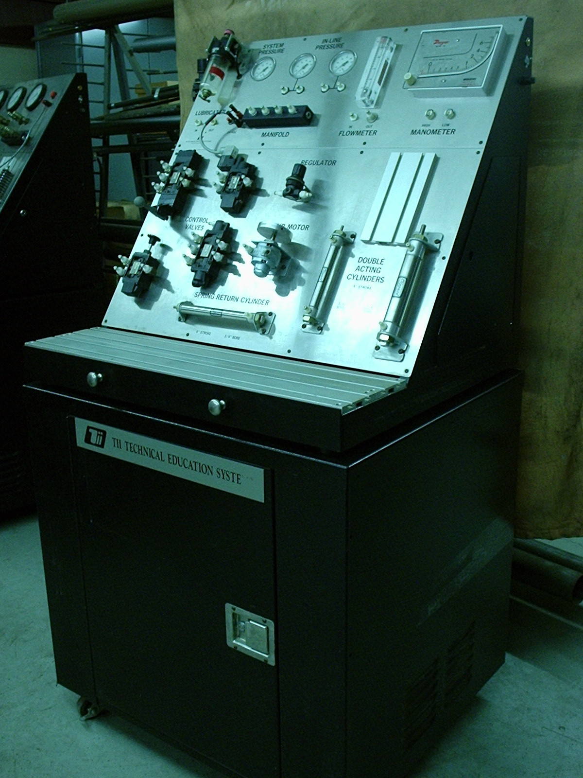 TII Technical Education Systems Explorer 1 Industrial Pneumatic Training System