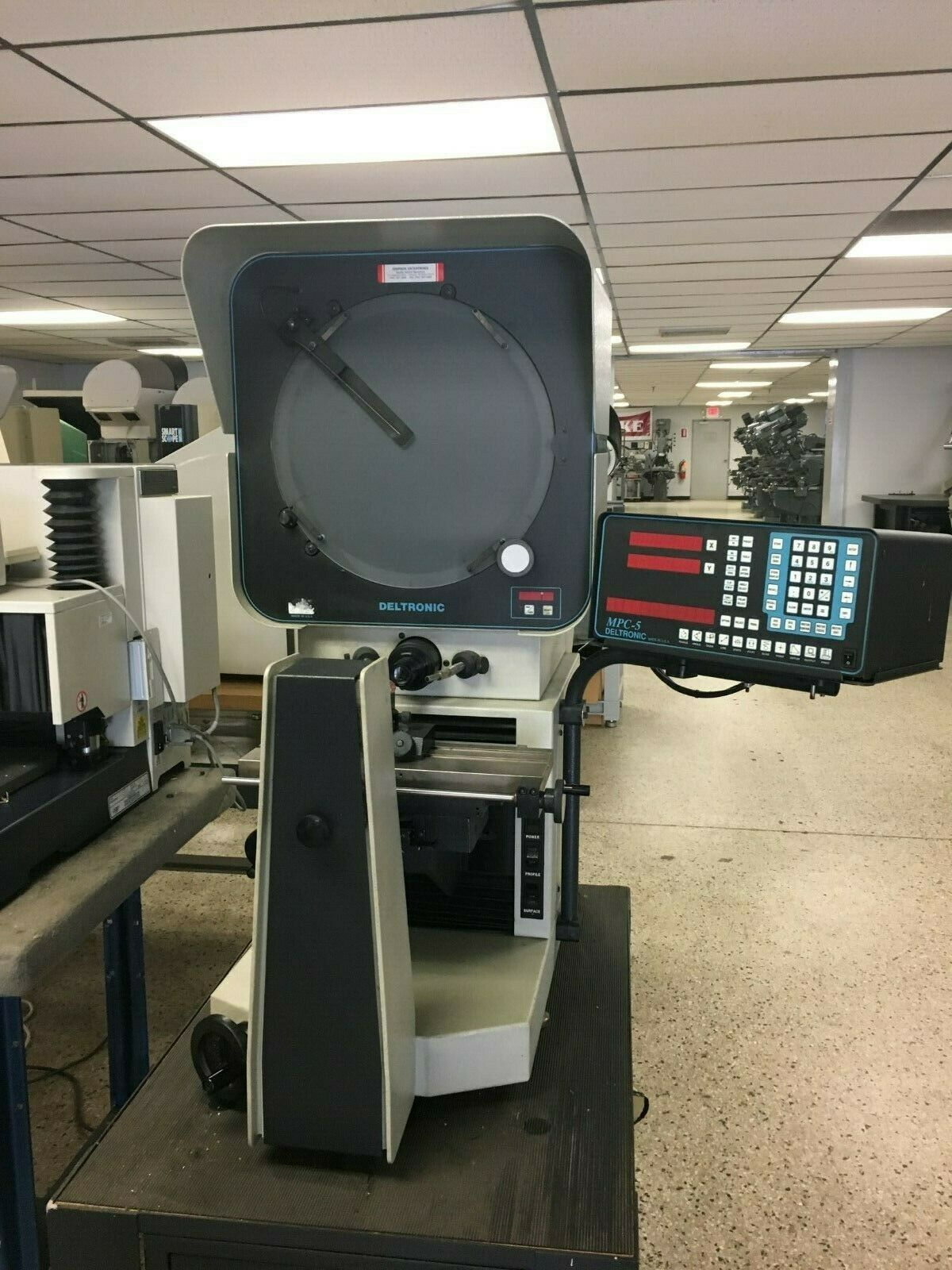 "14"" DELTRONIC Model DH214 Optical Comparator, S/N 239073289."