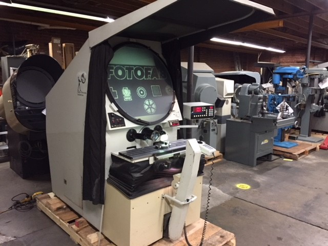 """30"""" ST Industries Rank Precision Model 22-2600 Optical Comparator, S/N T864012."""