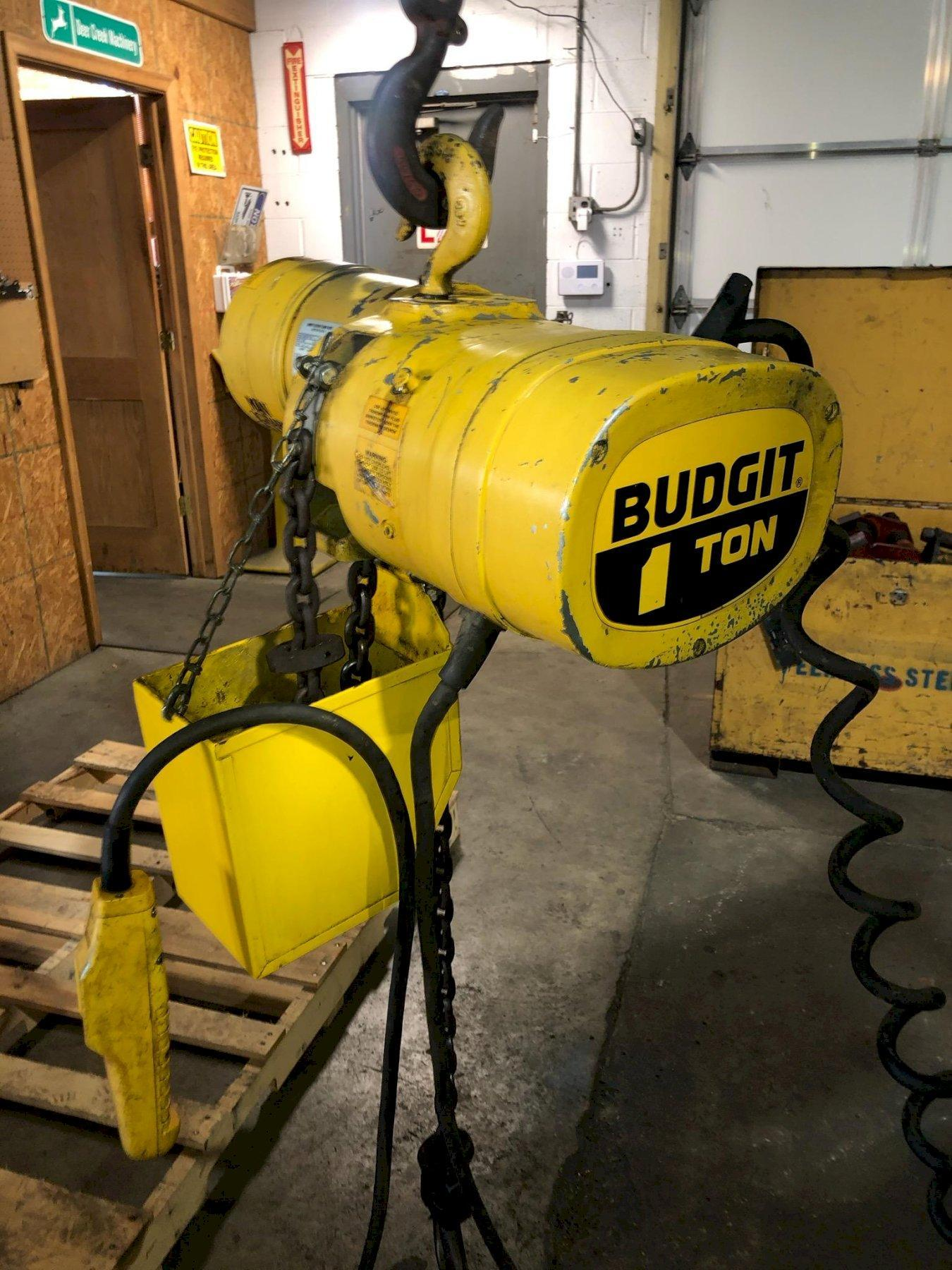 1 TON BUDGIT ELECTRIC CHAIN HOIST