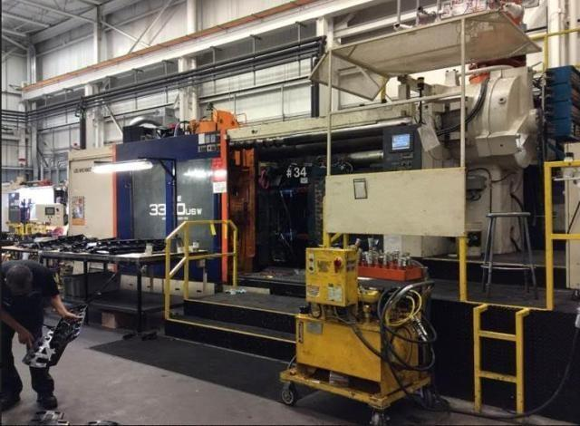 UBE Model UMEMAX UU3300 Horizontal In Line Injection Molding Machine