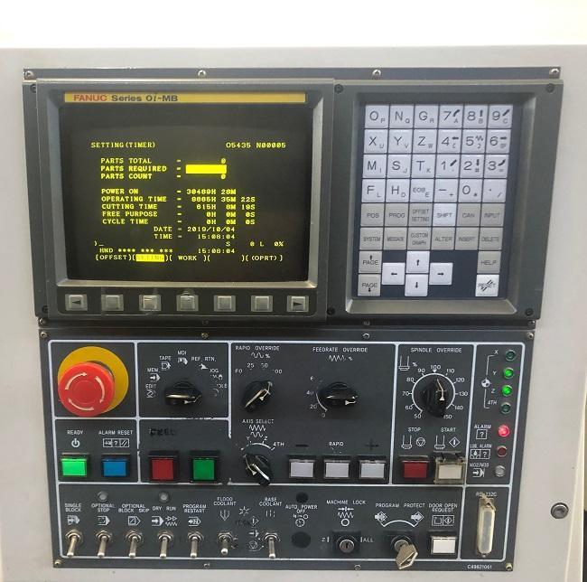 """DAEWOO DMV-3016L, Fanuc Oi-MB CNC Control, 39.4"""" x 17.7"""" Table, X=32"""", Y=16"""", Z=20"""", 8000 Max Spindle RPM, 24 Station Tool Changer, New 2005."""