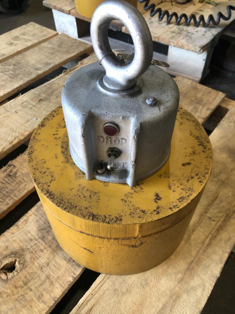 2,400 lbs BUX Circular Electric Lifting Magnets