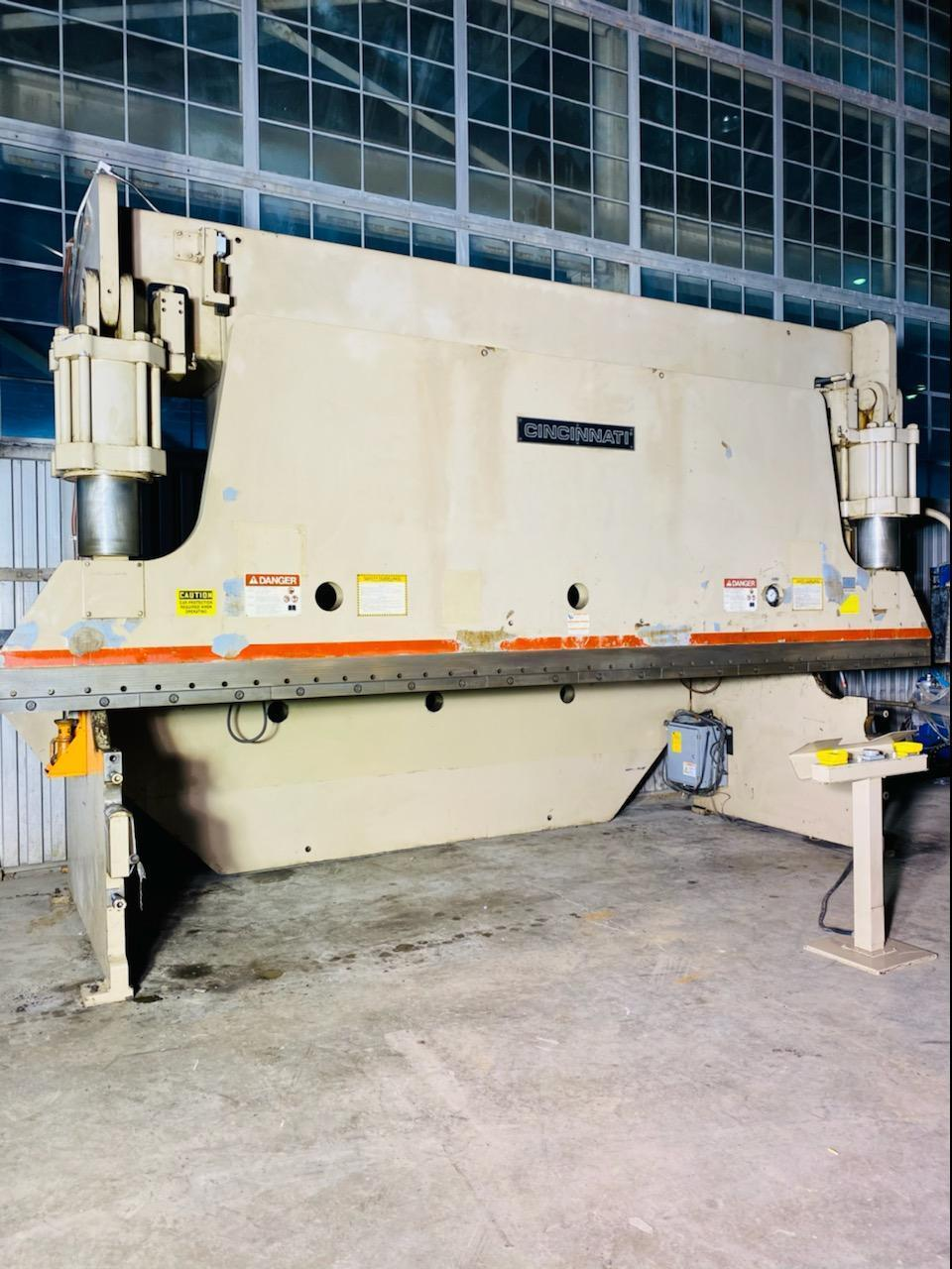 350 TON X 20' CINCINNATI FM 350FMX16 HYDRAULIC PRESS BRAKE. STOCK # 0848720