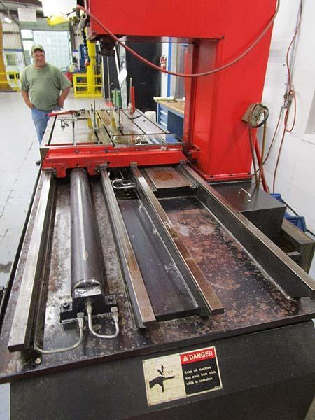 Amada Vm-1200 Vertical Band Plate Saw