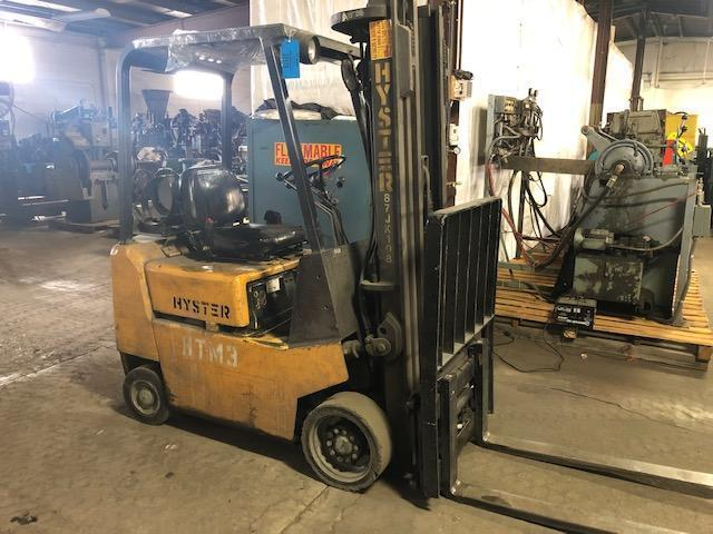 "HYSTER MODEL S30XL L/P POWERED FORK LIFT TRUCK S/N B010B04713H, 2500#, 194"" LIFT, SIDE SHIFTER, 3' forks, 968 hours"