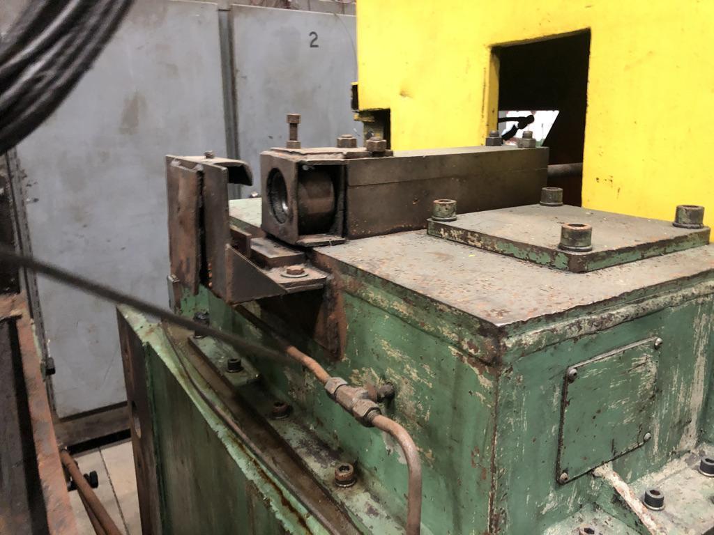 """1 1/4"""" Lewis Model 15 VFHA Wire Straighten and Cutoff Machine"""