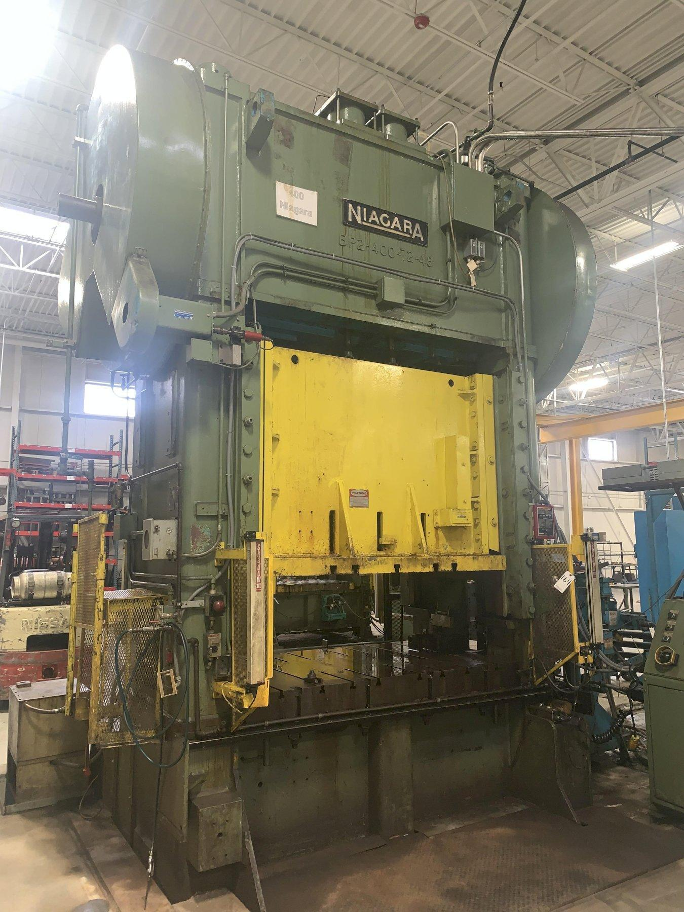 400 TON NIAGARA SSDC PRESS WITH 30