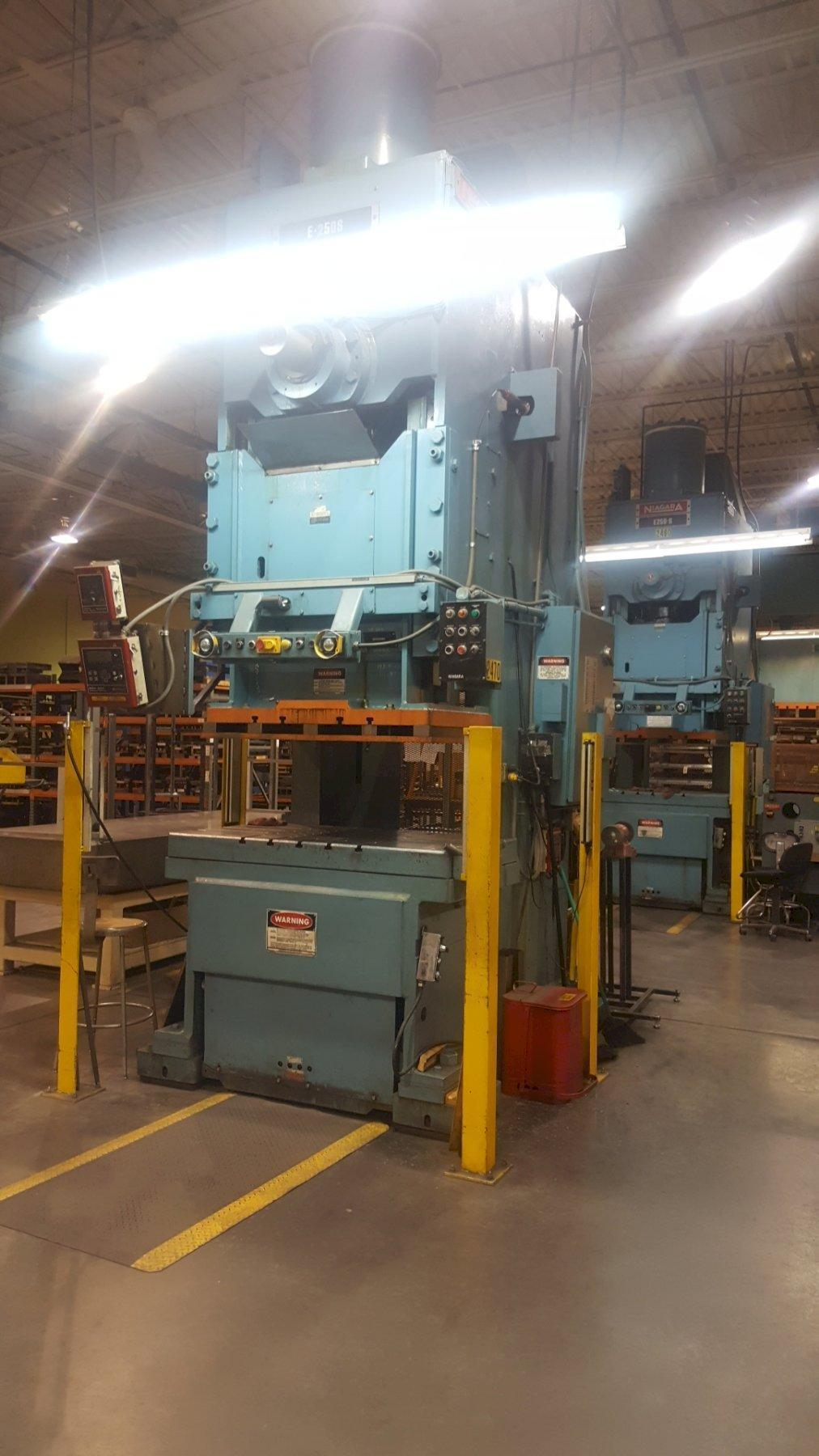275 TON NIAGARA MODEL E-250-S GAP FRAME PRESS