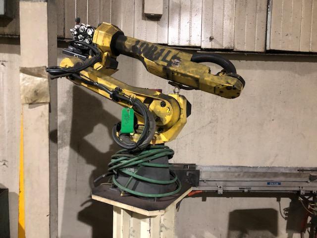 FANUC ROBOT 100IC ARC MATE WELDING ARM