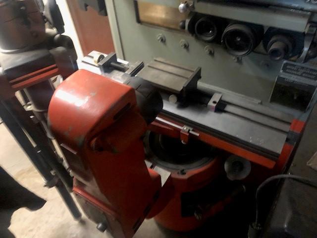 OPTICAL COMPARATOR MACHINE