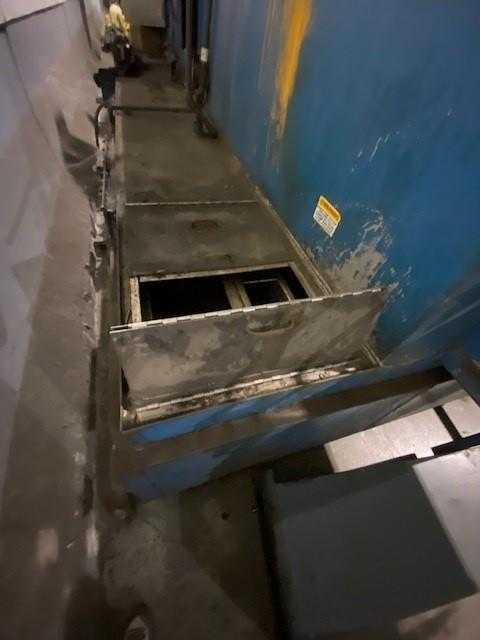 """24"""" x 56"""" DUNNAGE BT11-2450-GDRB-SS POLY TOTE WASHER. STOCK # 0631221"""
