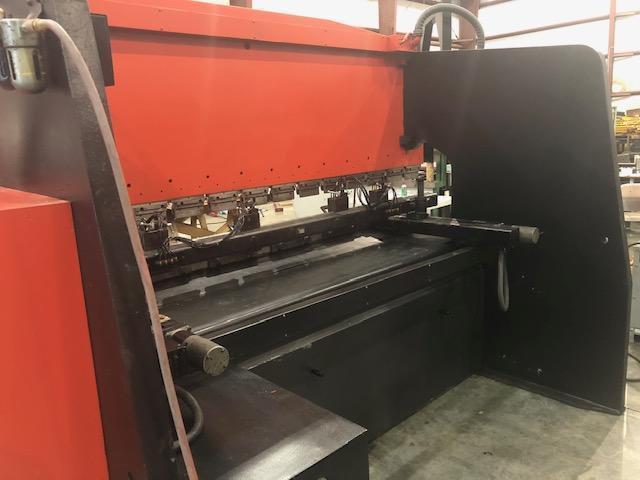 1983 Amada RG125, 10' x 138 Ton, Hydraulic Press Brake
