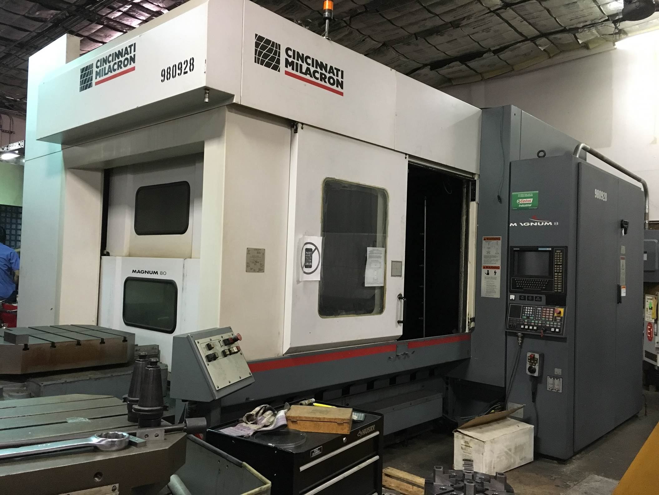 CINCINNATI MAGNUM 800 HORIZONTAL MACHINING CENTER