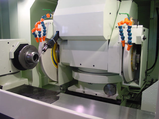 NEW SHIGIYA GSU-40 UNIVERSAL CYLINDRICAL GRINDER