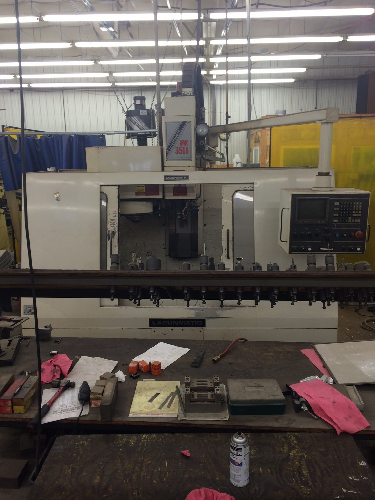 Lagun Lagunmatic 3516-S Vertical Machining Center, Dynapath Delta Controls, 1997