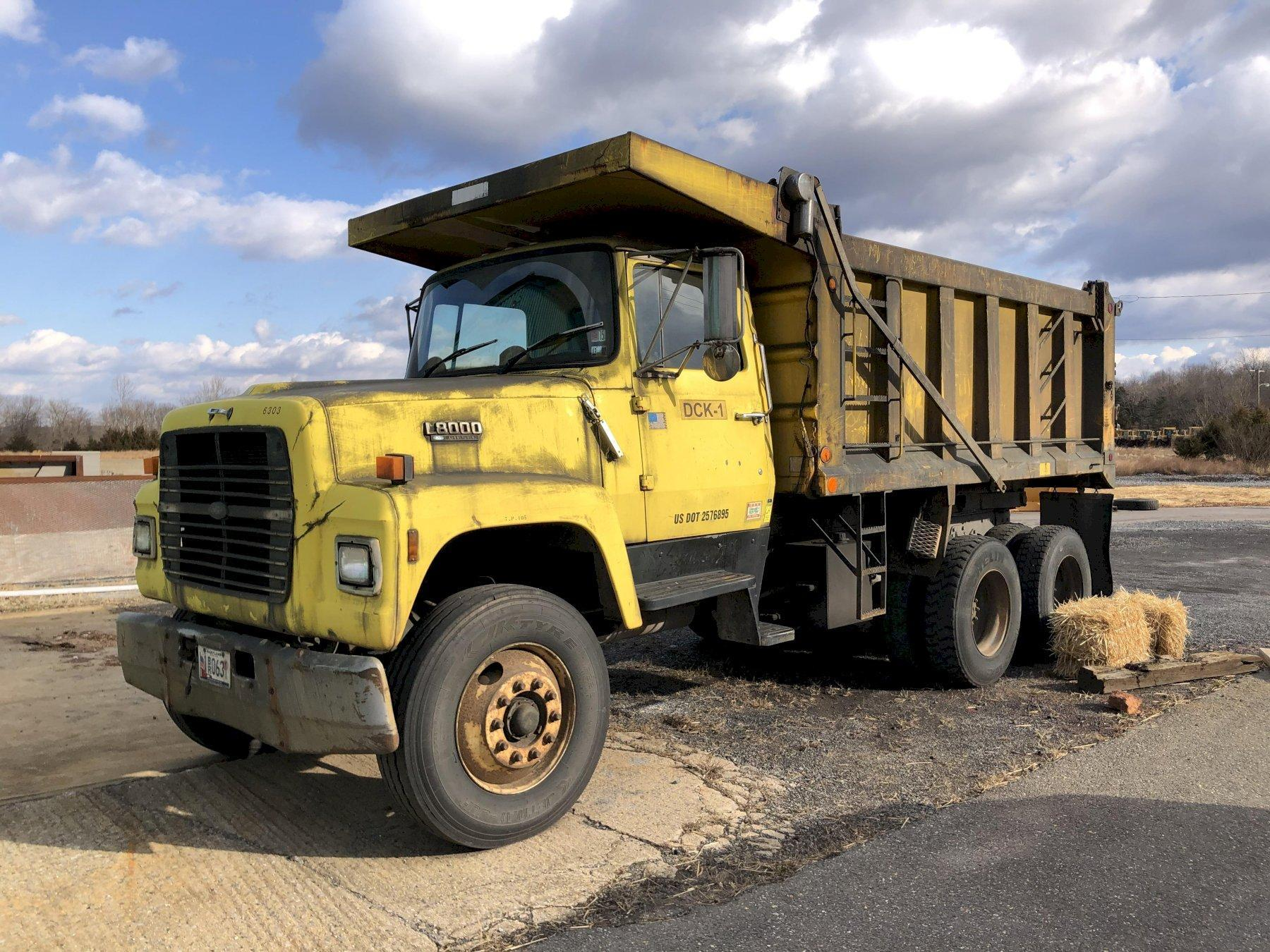 Ford 8000 diesel powered dump truck vin# 1fdyu82a7kva53145 with 15' dump body, 73475 miles