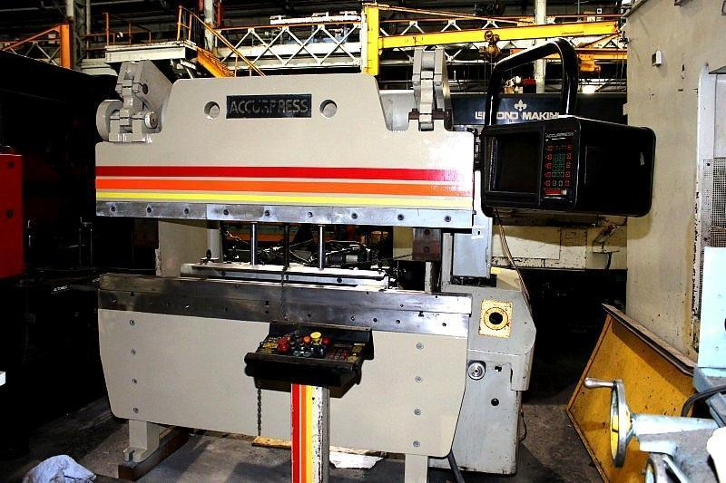 60 ton x 6 ft, Accurpress CNC Hydraulic Press Brake Model 7606