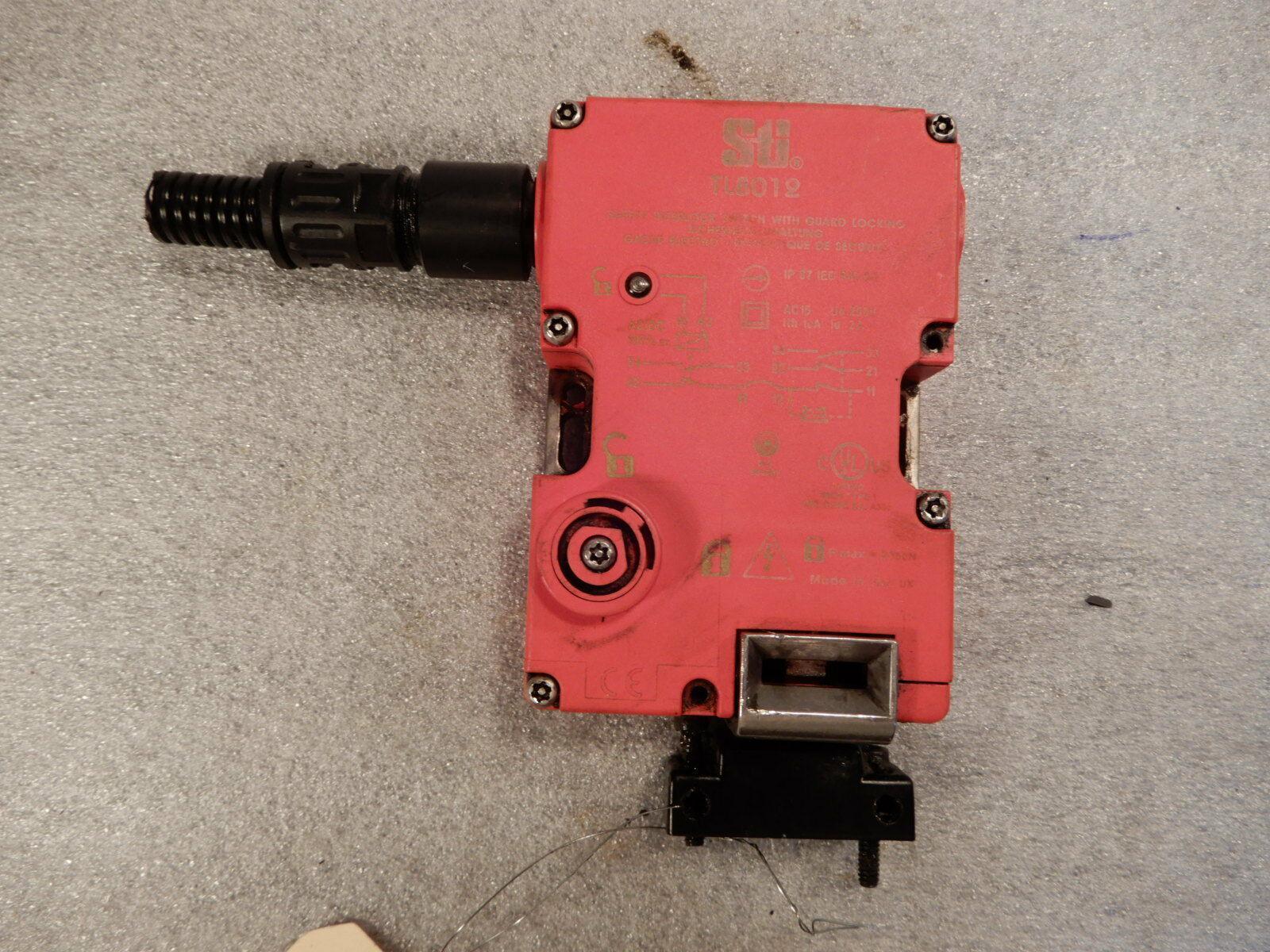 Omron Safety (STI) Safety Door Lock with Key, Safety Interlock Switch TL8012.