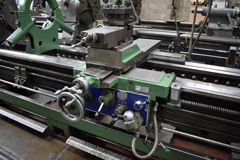 "34"" x 240"" KINGSTON LATHE, Model HR-6000, 34"" Swing Over the Bed, 25-1/8"" Swing Over the Cross Slide, 240"" Between Centers, 31"" 4-Jaw Chuck, Inch/Metric Threading, Steady Rests, New 2007."