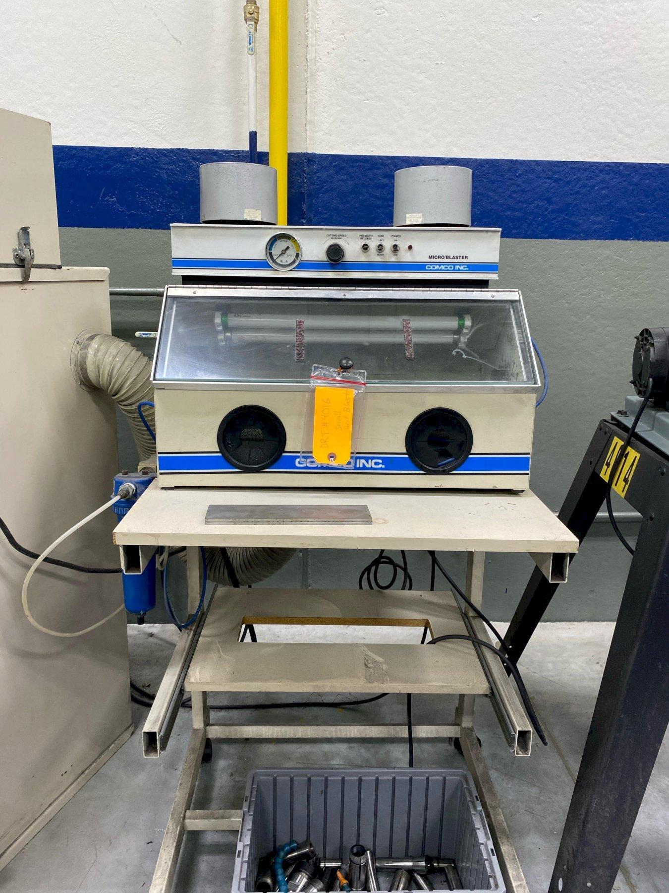 Comco Model MB1002 Micro Blaster with DC2100-3 Dust Collector