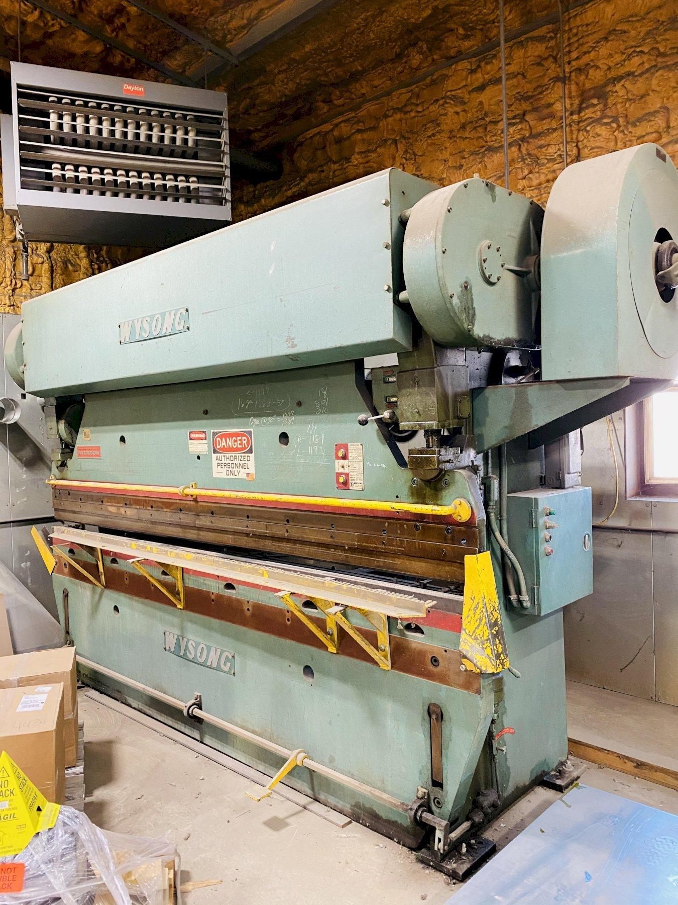 110 TON X 10' WYSONG 110-10 MECHANICAL PRESS BRAKE. STOCK # 1263320