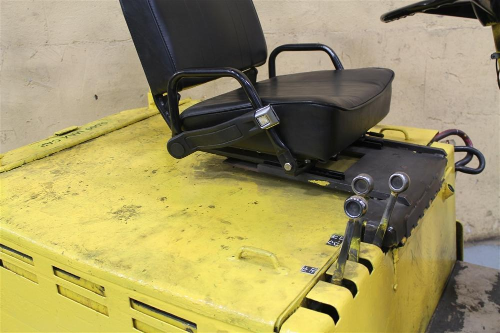 5000 LB YALE ELECTRIC FORKLIFT: STOCK #61738