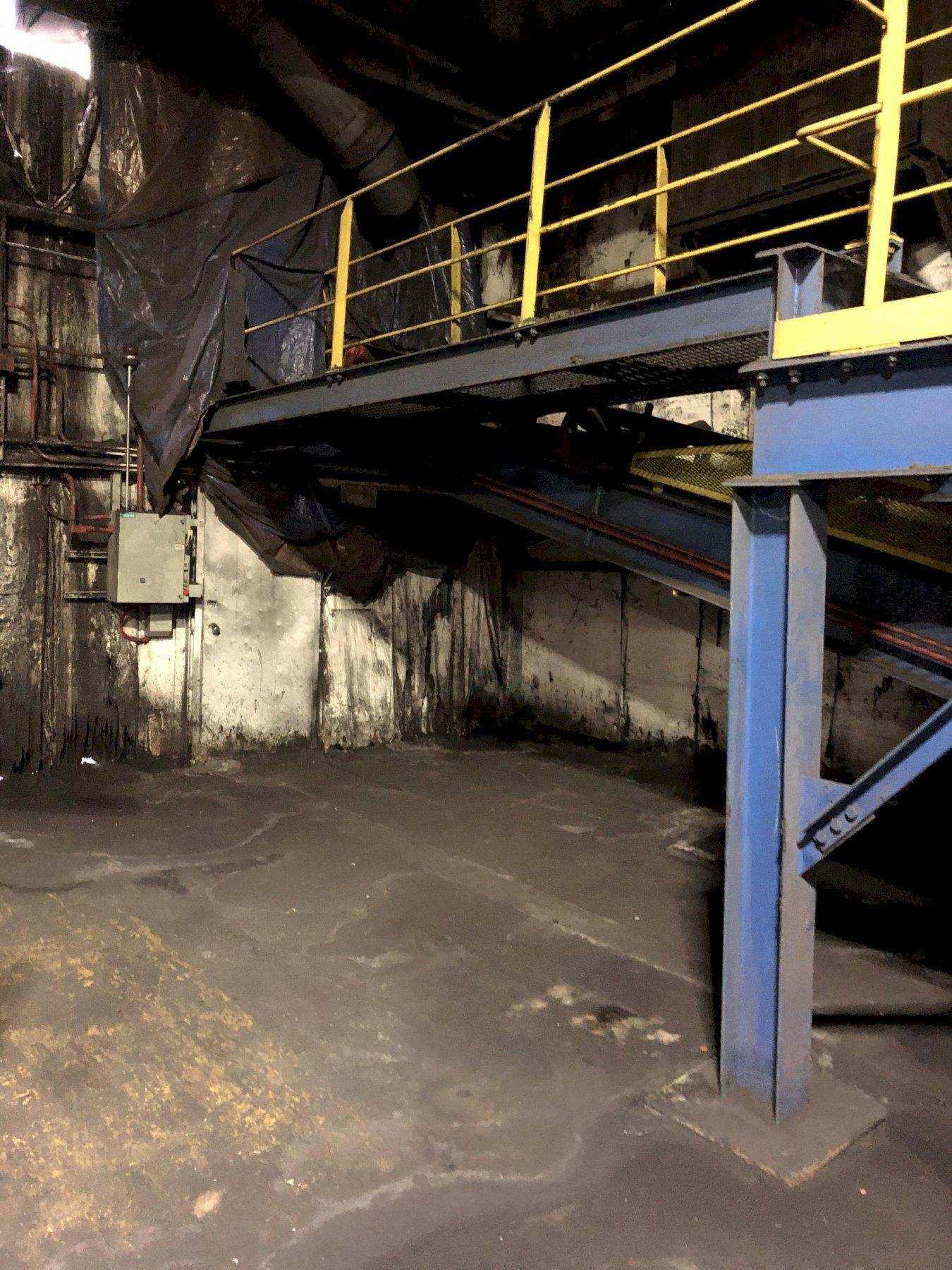 """2013 MACO 36"""" X APPROX. 85' 15 DEGREE INCLINE BELT CONVEYOR WITH 10HP DRIVE AND ENCLOSURE"""