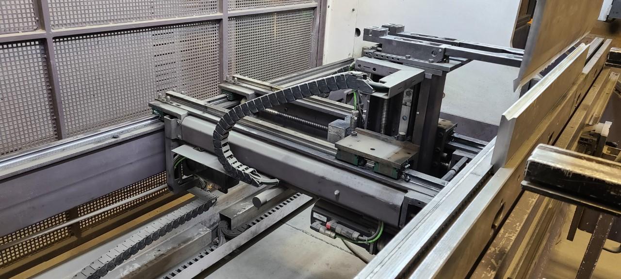 2008 Bystronic Xpert, 100x3100, 10' x 110 Ton, 9 Axis CNC Press Brake